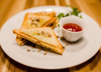 Kawiarnia Legionowo tosty śniadania